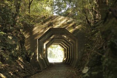 八角トンネル